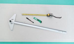 Как вырезать отверстие под розетку в плитке-мозаике