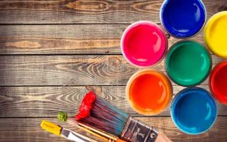 Особенности фасадной краски для деревянных поверхностей