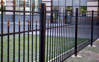 Как сварить забор из профильной трубы своими руками