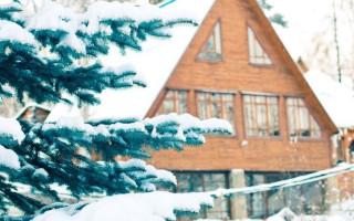 Как утеплить дом из бруса; снаружи или изнутри? Расчет и выбор материалов